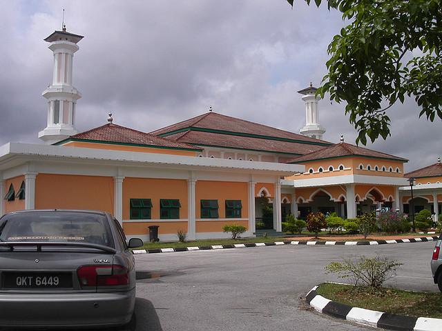 masjid maktab perguruan